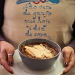 Paris: receita de sopa de cebola com cogumelos
