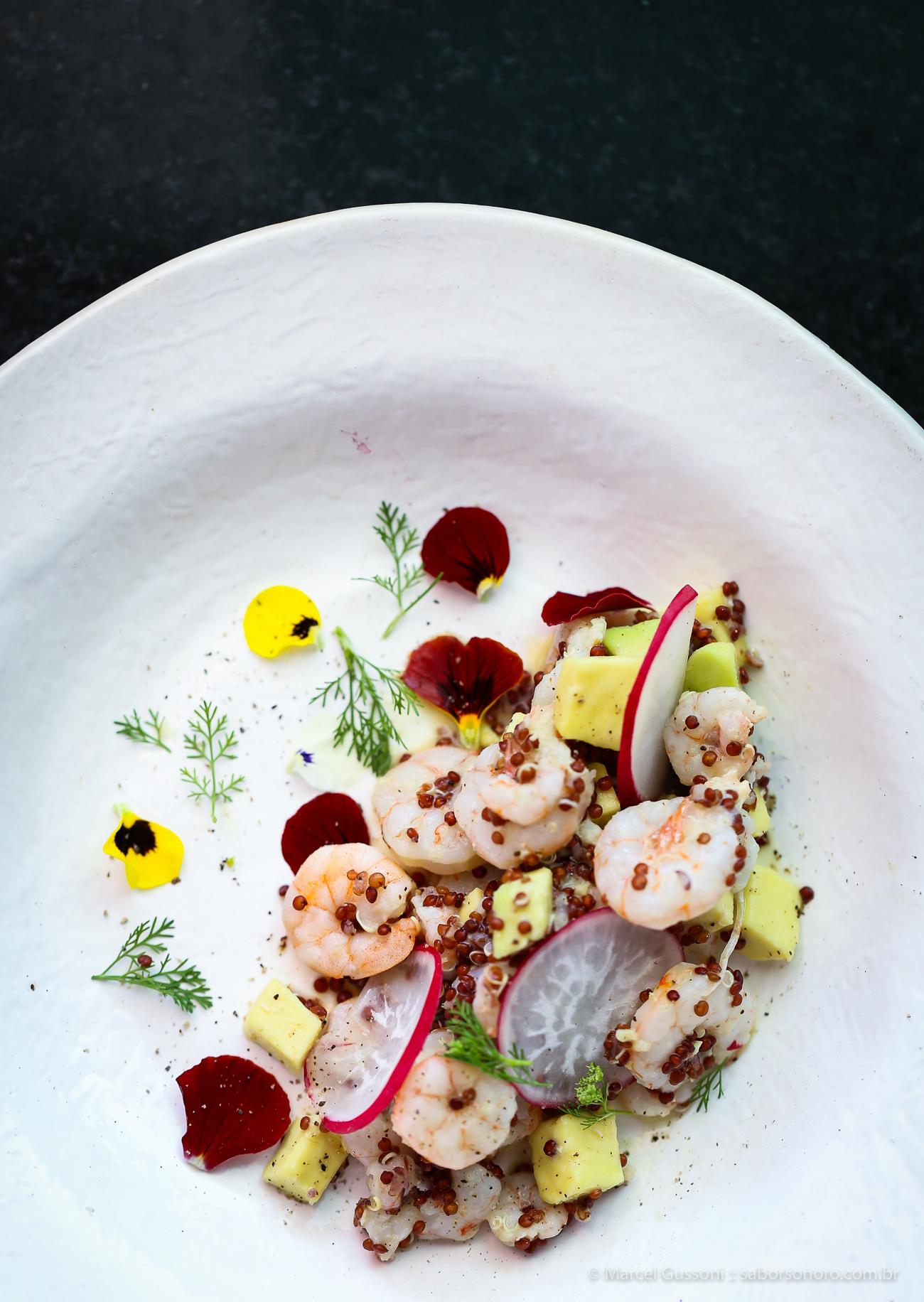 salada de camarão e abacate receita